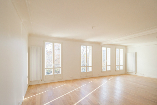 Marais apartment for sale