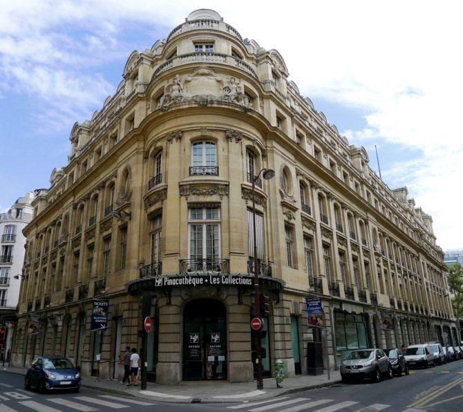 It's Curtains for the Pinacothèque de Paris