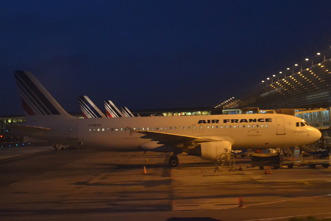 Air France planes lined up at CDG T2