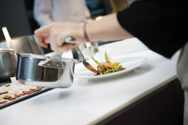 Paris cooking classes alain ducasse at l 39 eclaireur for Academy de cuisine