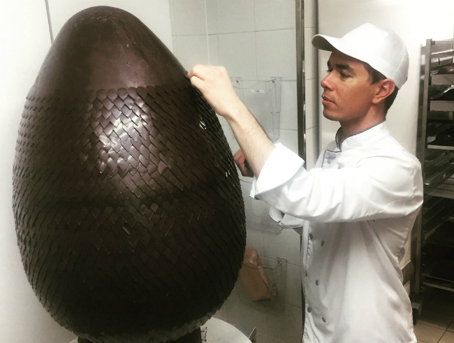You Won't Believe this Chocolate Easter Egg at Shangri-La Paris