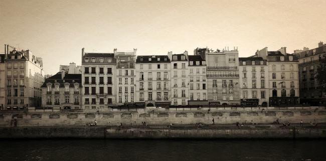 Paris quay