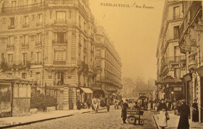 Vintage postcard of Rue Poussin