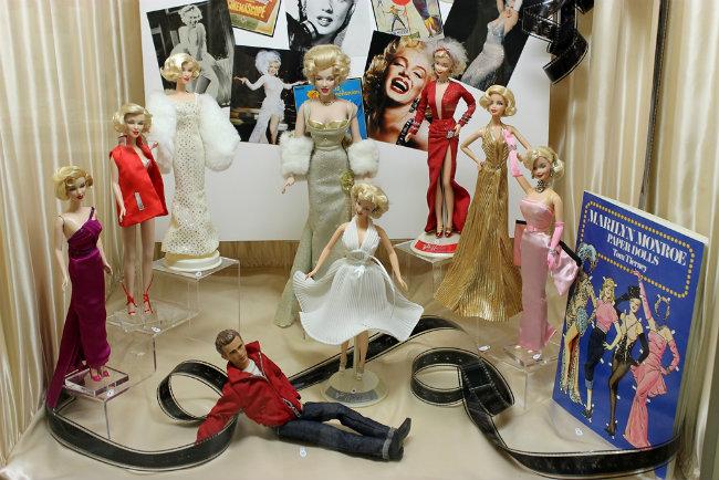 Marilyn Monroe dolls on display at the Musée de la Poupée