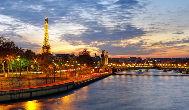 So You Want to be a Travel Writer in Paris?
