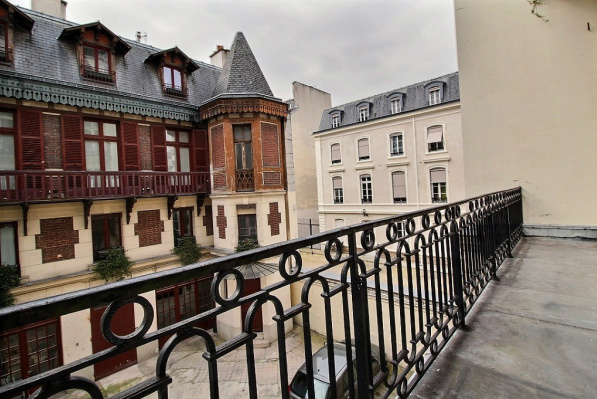 Paris Property: 3-Bedroom Apartment for Sale in the 7th