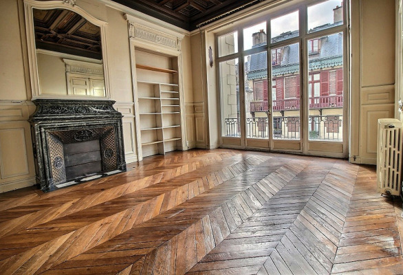 Marvelous ... Spacious Paris Apartment For Sale In The 7th