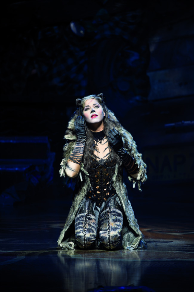 "Chimène Badi in the role of ""Grizabella,"" Cats at the Théâtre Mogador"