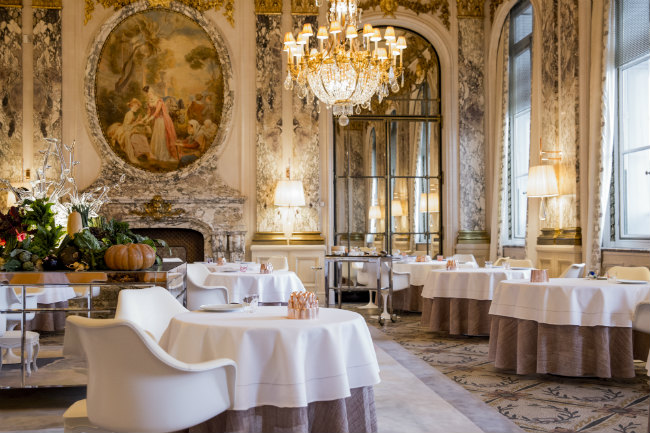 The newly designed restaurant at Le Meurice