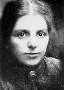 Photo of Paula Modersohn-Becker, 1904.
