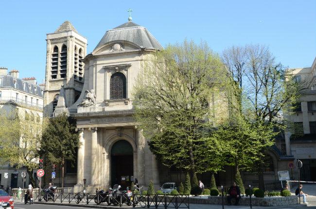 St Nicolas Church by Rosemary Flannery