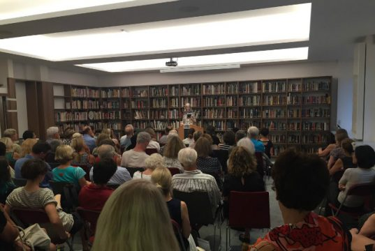 The first program at the newly- remodeled American Library in Paris, as Jane Smiley reads
