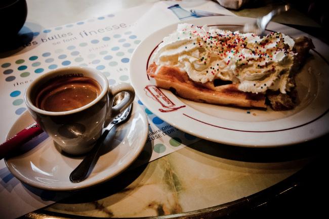 hot chocolate in Paris