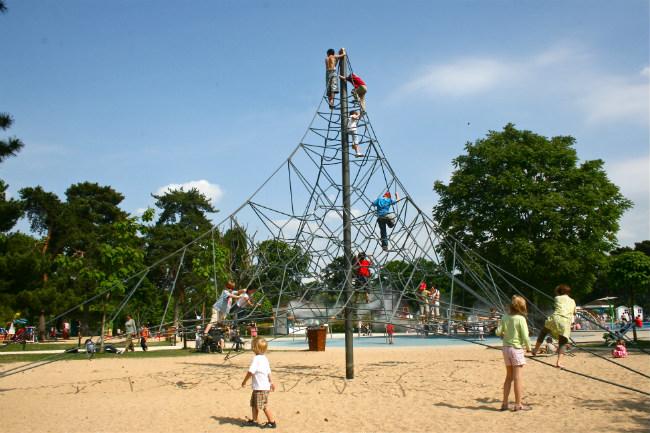 Fun playgrounds in Paris