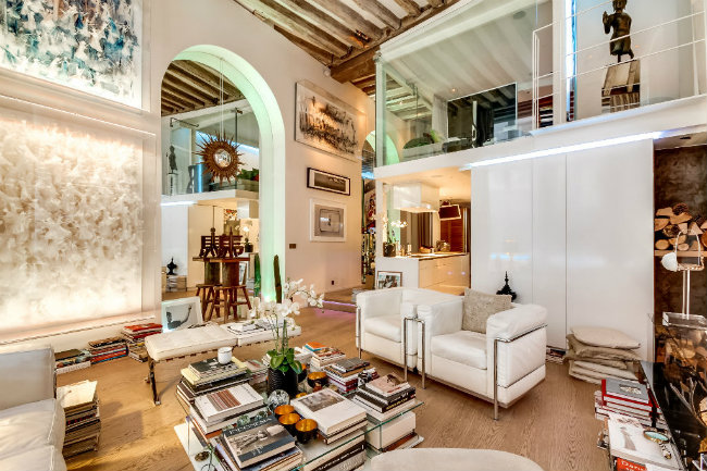 Apartment for sale in the Upper Marais