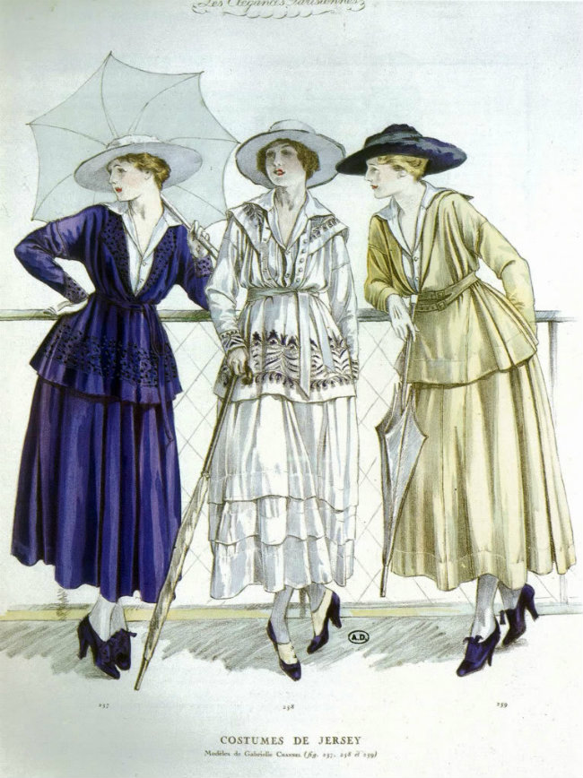 Three jersey outfits by Chanel for March 1917. Illustration published in Les Elegances parisiennes. Public domain.