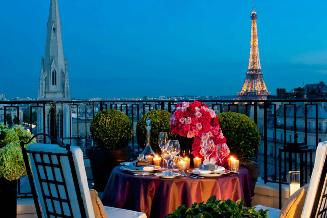 Four Seasons George V in Paris