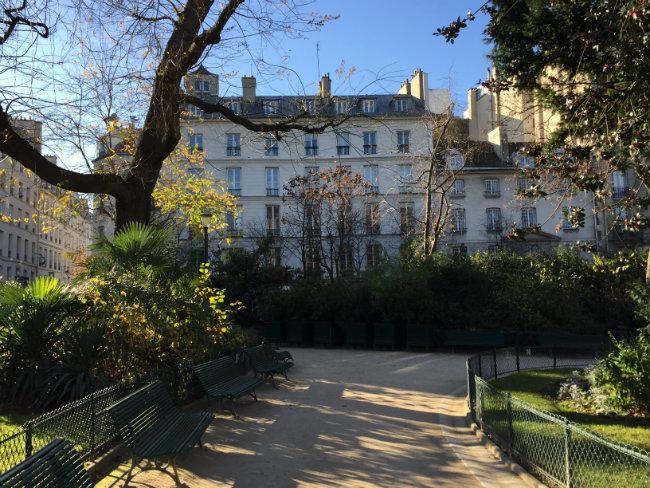 paris city wallpaper for bedroom