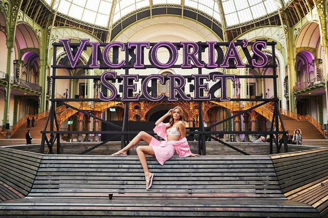 Victoria's Secret Angels Strut at Paris's Grand Palais
