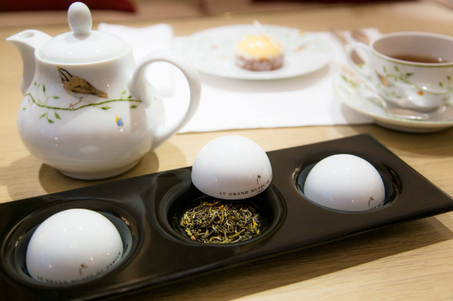 Winter Warm-Ups: A Perfume-Inspired Teatime at Le Bristol