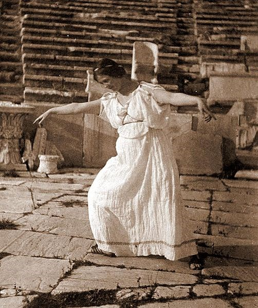 Americans in Paris: Isadora Duncan, An Icon of Modern Dance