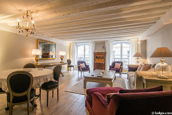 Paris Rentals: 2 Bedroom Furnished Apartment with Elevator, near Musée d'Orsay