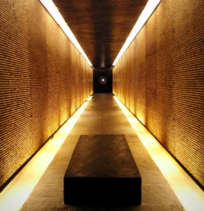 Mémorial des Martyrs de la Déportation: Stone Walls, Black Iron and the Seine