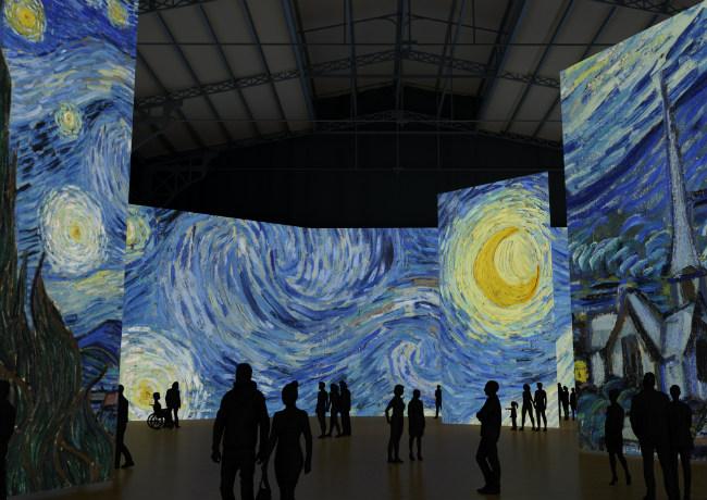"Step into the Artist's World: ""Imagine Van Gogh"" at La Villette in Paris"