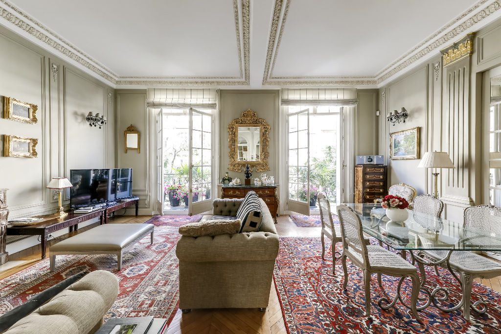 For Sale Exceptional Reception Apartment In The 16th