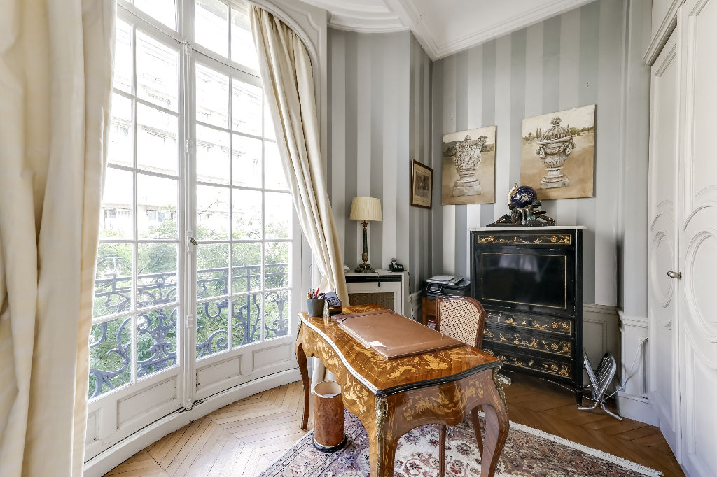 For Sale: Exceptional Reception Apartment in the 16th ...