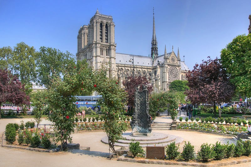 How Would You Spend 24 Hours in Paris? Our Experts Share Tips