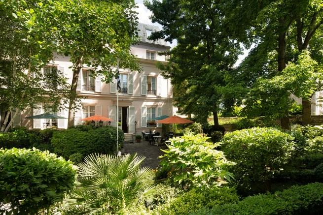 secret places in paris panache rental. Black Bedroom Furniture Sets. Home Design Ideas