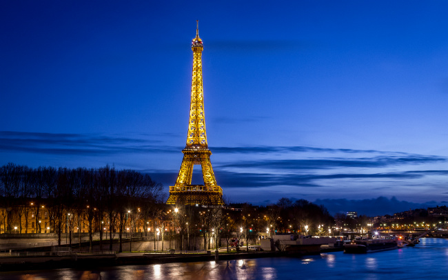 Clinical Psychologist Roni Beth Tower on a Miracle at Midlife in Paris