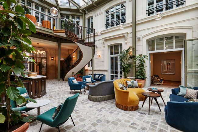 Paris Hotel Buzz: What's New and Happening Right Now