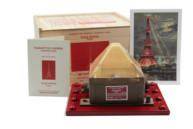 Diamonds of Light: A Limited Edition Souvenir of the Eiffel Tower