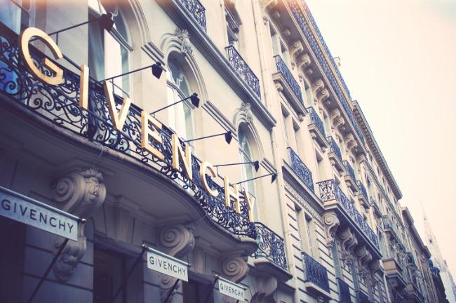 Paris Gains Fall Styles & Loses a Fashion Legend