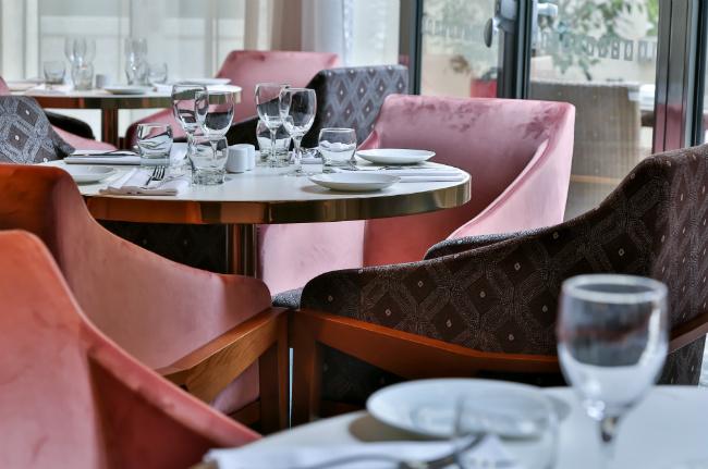 le M64 Restaurant: Where to Eat Near the Champs-Élysées