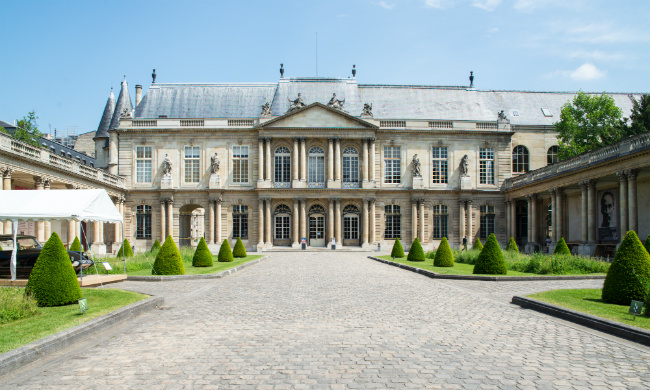 Free Guided Tours of the Marais District in July with Le BHV Marais