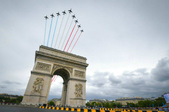 Le Tour de France: Watch the Race Finish in Paris