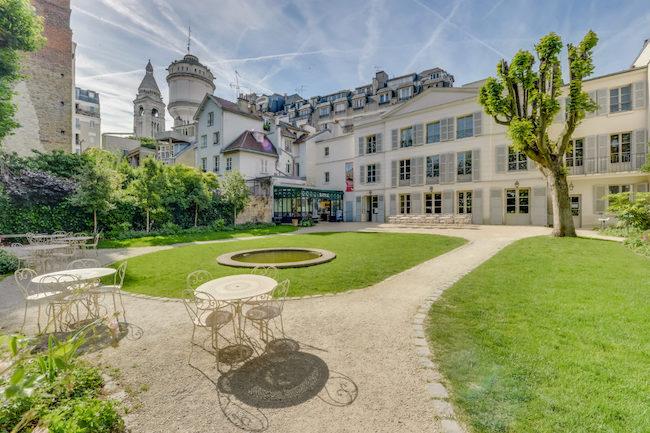 Celebrate Peace & Wine at the 85th Fête des Vendanges in Montmartre