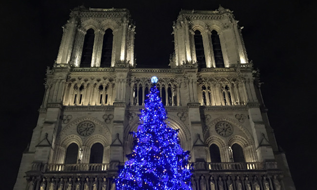 Sprinkle Some Holiday Sparkle into your Paris Life