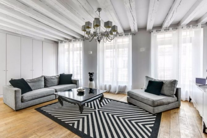 For Sale: 2-Bedroom Apartment near Place des Vosges in the Marais