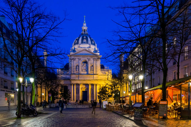 Strolling the Latin Quarter: A Perfect Walk on the Left Bank
