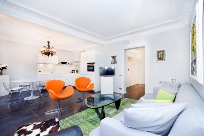 "For Sale: Apartment on a ""Secret"" Pedestrian Street in the Marais"
