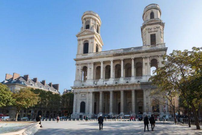 For Sale: Apartment overlooking Saint Sulpice in Saint-Germain-des-Prés