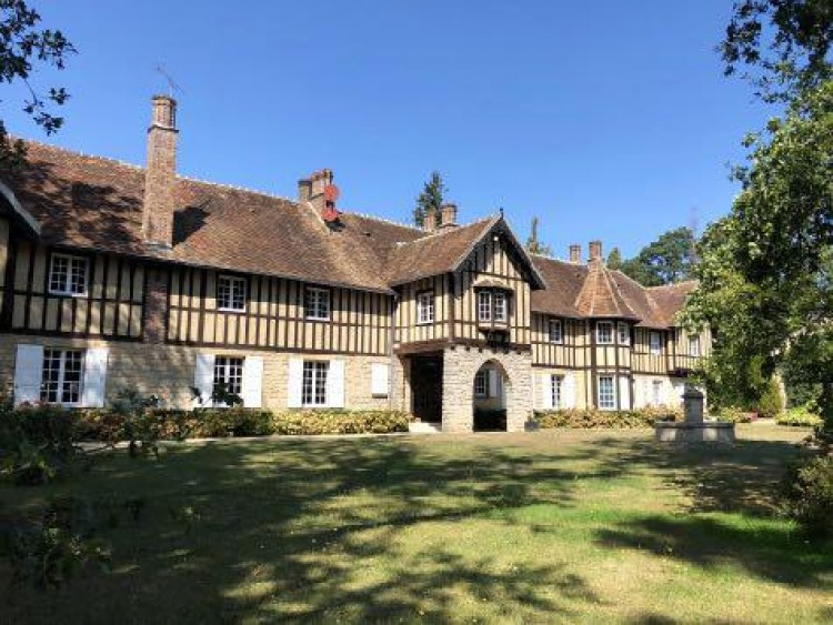 Fontainebleau property for sale