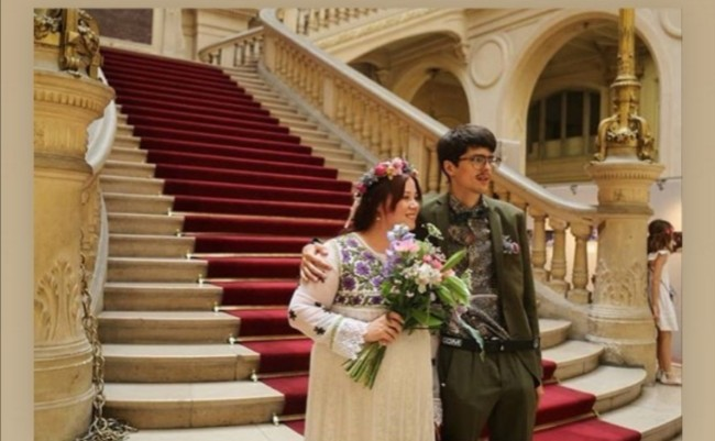 A Romantic Parisian Wedding Doesn't Need to Incur the Clichés and Costs