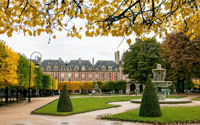 10 Lesser Known Facts about the Place des Vosges in Paris