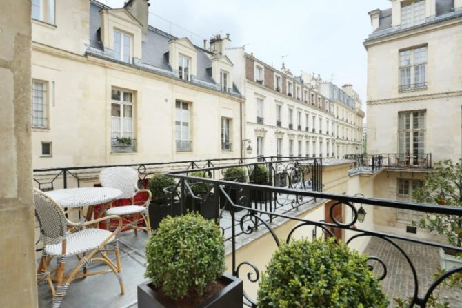 For Sale: Stunning Luxury Apartment on the Ile Saint Louis