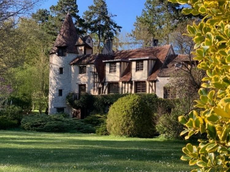 historic Paris house for sale